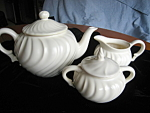 Click here to enlarge image and see more about item franciscan102106: Vintage Franciscan Teapot Set