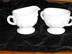 Click here to enlarge image and see more about item gwest01031: Westmoreland Creamer & Sugar