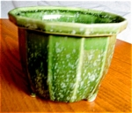 Click here to enlarge image and see more about item hull10429: Hull Pottery Imperial Planter
