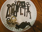 Click here to enlarge image and see more about item locks102106: Vintage Padlocks and Keys