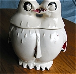 Click here to enlarge image and see more about item mccoy1104122: McCoy Pottery Kissing Penguins Cookie Jar