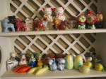 Click to view larger image of Vintage Monkey Pottery Shakers (Image7)
