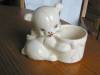 Click to view larger image of Hull Pottery Bear Planter (Image4)