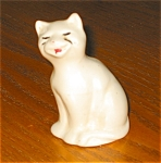 Click here to enlarge image and see more about item pmc120216: Brush McCoy Miniature Cat