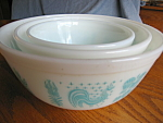Click here to enlarge image and see more about item pyrex92006: Vintage Pyrex Nesting Bowls