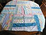 Click here to enlarge image and see more about item quilt10620: Small Medium Weight Quilt Blanket