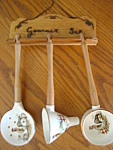 Click here to enlarge image and see more about item roosters50610: Vintage Ceramic Utensil Set - Roosters