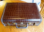 Click here to enlarge image and see more about item samsonite10713: Small Vintage Samsonite Leather Suitcase