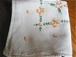 Click here to enlarge image and see more about item tabl10034: Vintage Linen Tablecloth