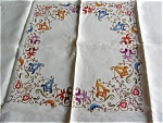 Click here to enlarge image and see more about item tcloth30513: Vintage Embroidered Tablecloth & Napkins