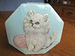 Click here to enlarge image and see more about item tin30824: Vintage Tin English Kitty