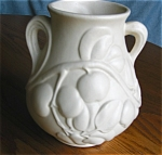 Click here to enlarge image and see more about item vase70521: Vintage Matte Apple Vase Pottery