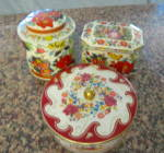 Click here to enlarge image and see more about item vintagetins060911: Vintage Daher Tin Assortment