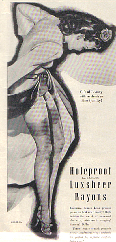 1944 LUXSHEER Holeproof Rayon Stocking Pin Up Print AD (Image1)