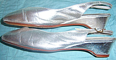 Vintage Naturalizer Shoes 7 1/2 Silver Slingback Heels