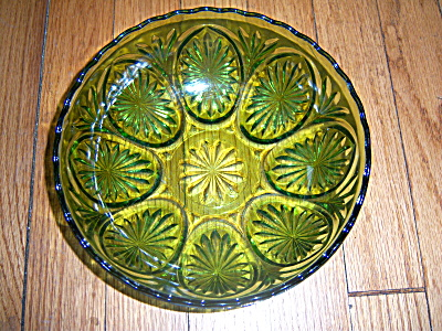 Vintage Anchor Hocking Avocad Green Oatmeal Salad Bowl  (Image1)