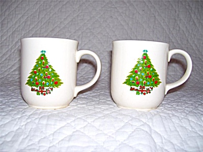 2 RARE OLD Mt. Clemens Pottery Christmas Tree COCOA MUG (Image1)