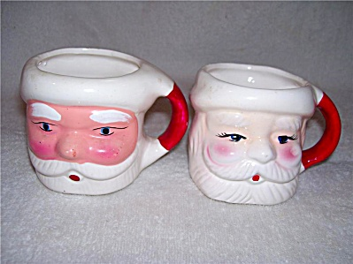 LOT 2 vintage SANTA CLAUS CHRISTMAS JOLLY MUGS / CUPS (Image1)