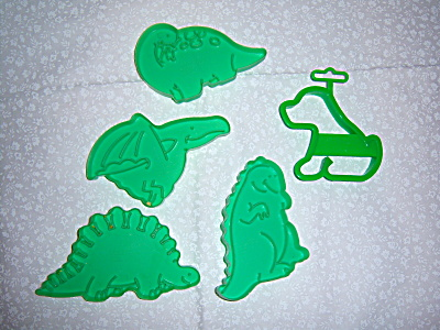 FIVE 1988 Wilton Cookie Cutters - Dinosaurs (4) PUPPY ( (Image1)