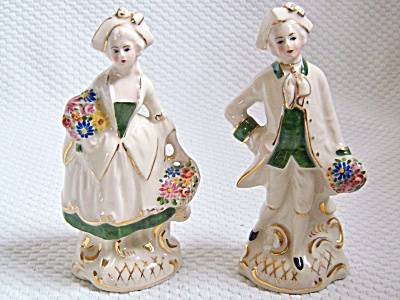 VINTAGE PORCELAIN COLONIAL COUPLE FIGURINES GOLD ~ Flow (Image1)