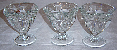 Anchor Hocking Ice Cream Sundae Cups, Set Of Three (Image1)