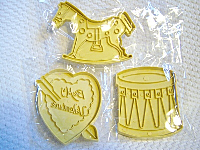 Vintage LOT 3 Stanley COOKIE CUTTERS VALENTINE / HORSE  (Image1)