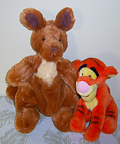 Disney World Tigger Winnie The Pooh Stuffed Plush Toy +