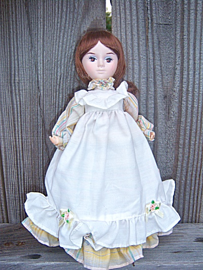 Vintage Bradley Silk Doll on Stand � Named TEDDI  WIDE  (Image1)