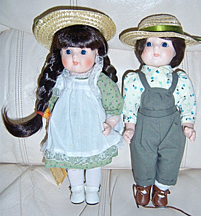 Vintage Kingstate ROSA and ROBERT Porcelain Doll DOLLS (Image1)