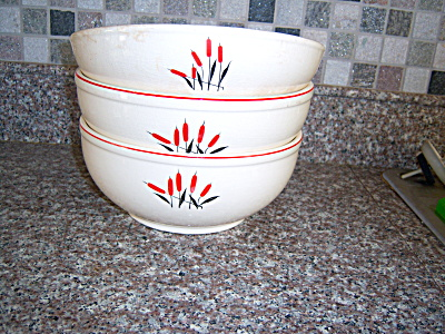 Lot THREE VINTAGE UNIVERSAL POTTERIES CATTAIL Mixing ~  (Image1)
