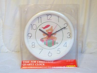 NOMA ~ Christmas TEDDY BEAR Wall Clock (Image1)