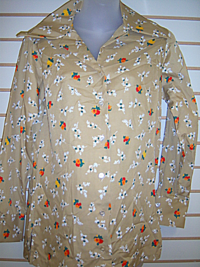 Vintage Polyester Tan Womens Shirt MONTGOMERY WARDS (Image1)