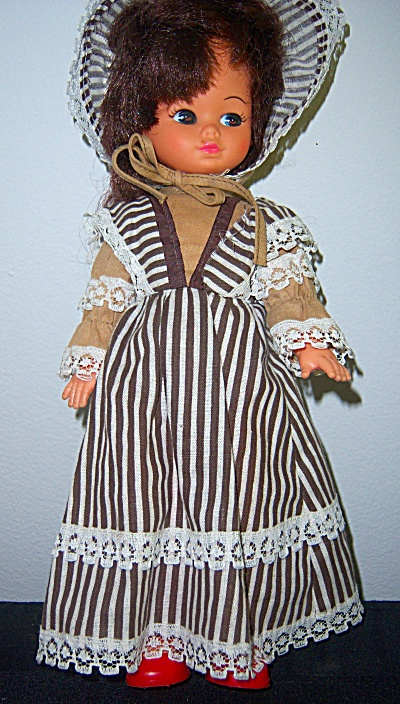 Vintage 1970's PLAYMATES DOLL Co Vinyl 11  #6122 SIDE  (Image1)
