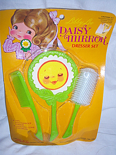1974 Vintage Child's Dresser Vanity Dresser Brush Set