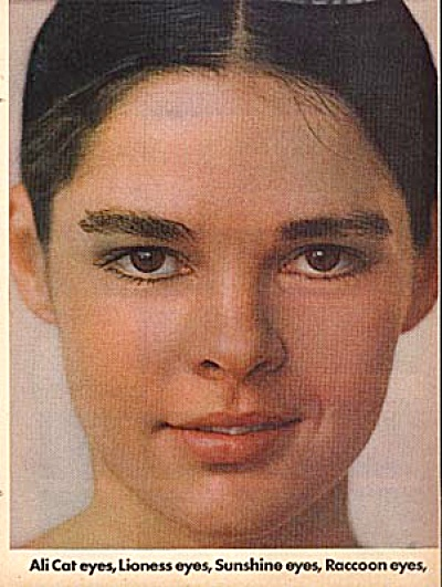 1970 Ali McGraw Love Cosmetics AD Cat Eyes (Image1)