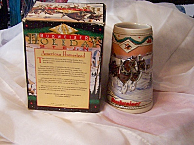 1996 Budweiser Holiday Lidded Stein American Homestead  (Image1)
