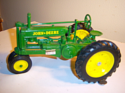 John Deere 1934 Model A Tractor 1:16 Scale NRFB MIB (Image1)