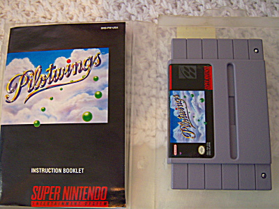 PILOTWINGS Cartridge & Manual in CASE Super Nintendo  (Image1)