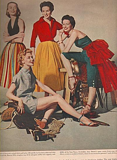 Clothes modeling - profeslsional models 1953 (Image1)