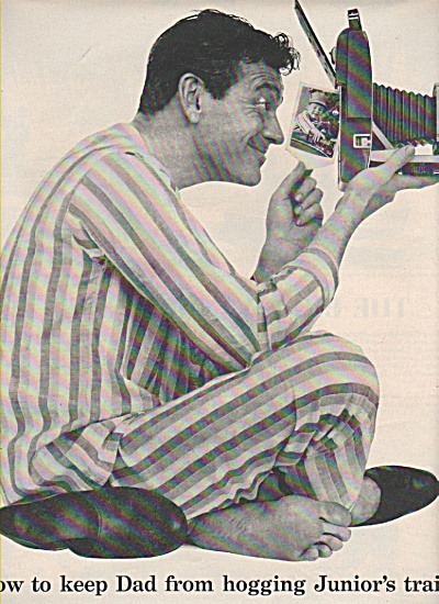 Polaroid land camera ad 1957 DAD IN PJS (Image1)