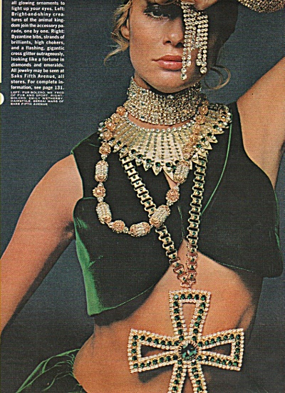 Jewelry spread -  Model displays jewelry 1968 (Image1)