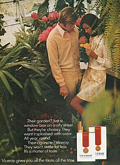 Viceroy cigarettes ad 1970 GIVES YOU THE TASTE (Image1)