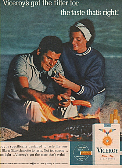 1965 VICEROYCigarettes Print AD - Couple at the Beach (Image1)