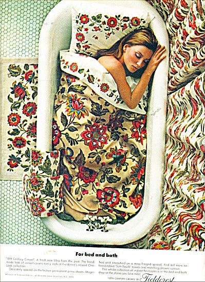 1967 FIELDCREST AD Crewel Bedding LADY IN TUB (Image1)