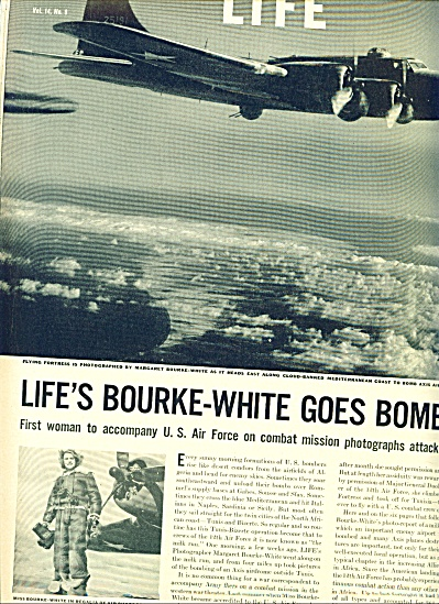 1943 -  Life's photographer on bombing missio (Image1)