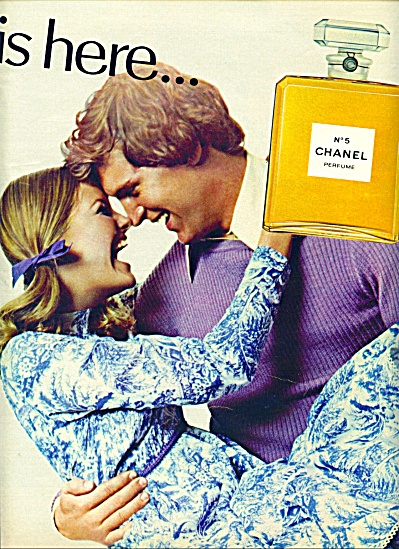 1971 -  Chanel No. 5 perfume ad BLONDE MODELS (Image1)