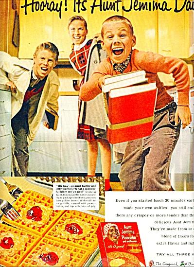 Aunt Jemima pancake and waffle mix ad 1961 (Image1)