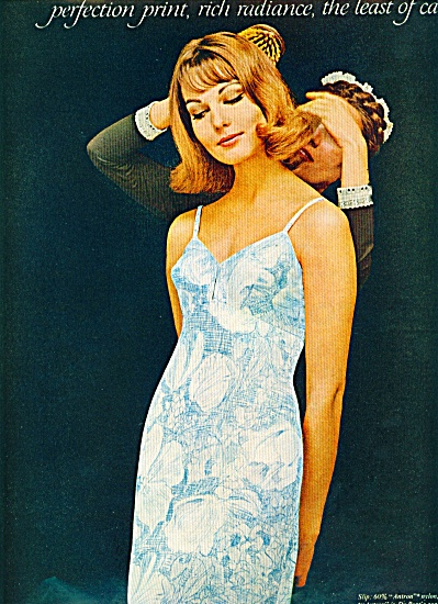 1963 Antron Nylon DuPont AD Fashion Model (Image1)