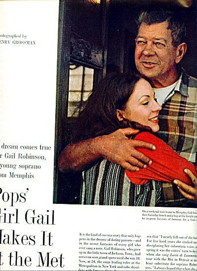Pops' Girl GAIL  makes it at the Mettropolita (Image1)