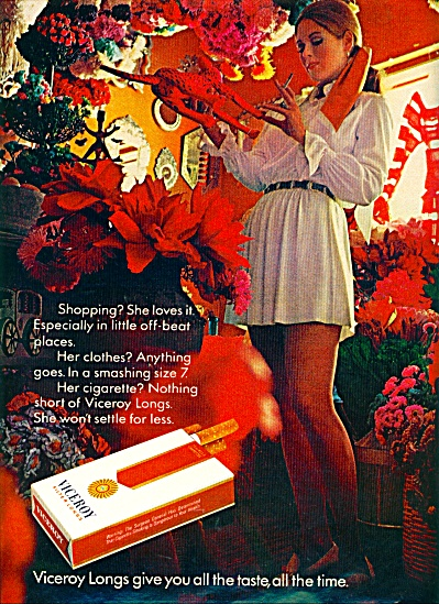 1971 - Viceroy Cigarettes AD MINI DRESS MODEL (Image1)